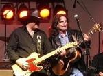 Petr a George V měří, kdo má delší kytaru <BR>(foto: CountryZone.net)